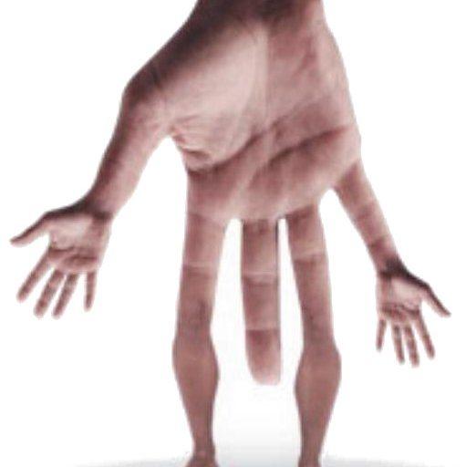 Mano gigante con gambe e braccia