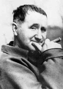 Foto del drammaturgo e regista di teatro Bertolt Brecht